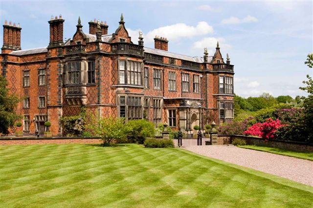 Antiques News - Antique Fair - The Arley Hall Antiques & Fine Art Fair