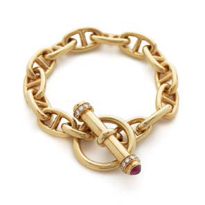 18ct yellow gold anchor link bracelet, £9,250 from Nigel Milne